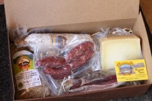 scatola lenticchia formaggio e maiale